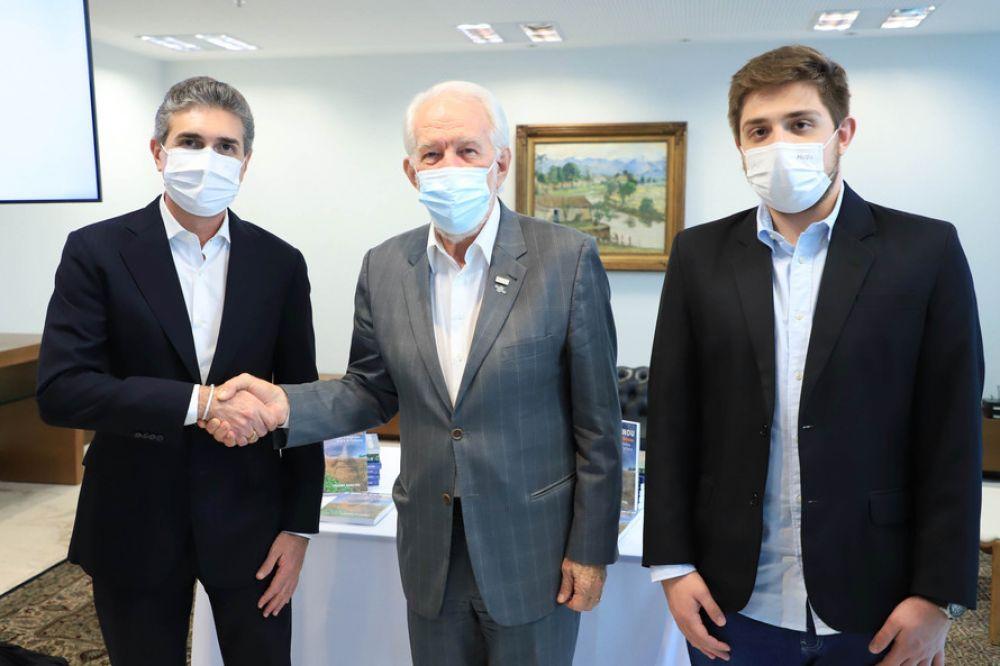 Governador em exercício Darci Piana, durante reunião com executivos do Grupo Certano - - Foto José Fernando Ogura AEN
