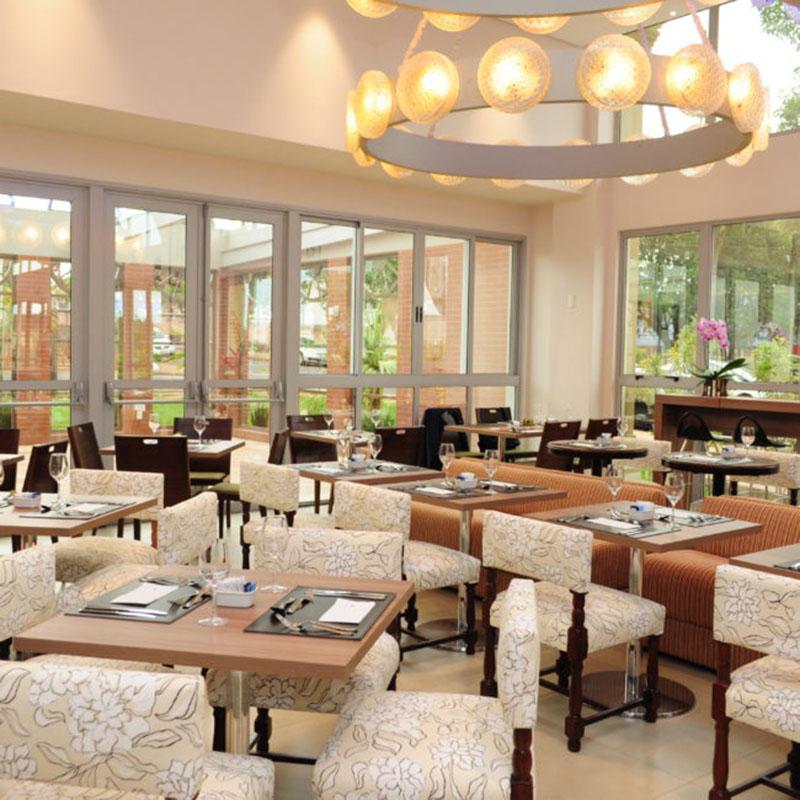 Bourbon Cambará Hotel tem almoço especial para o Dia das Mães