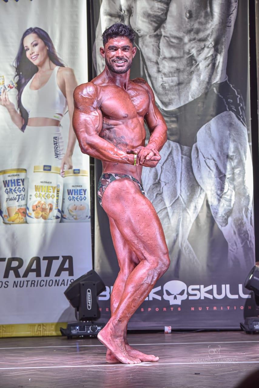 Michael Santos é vice campeão brasileiro de fisiculturismo