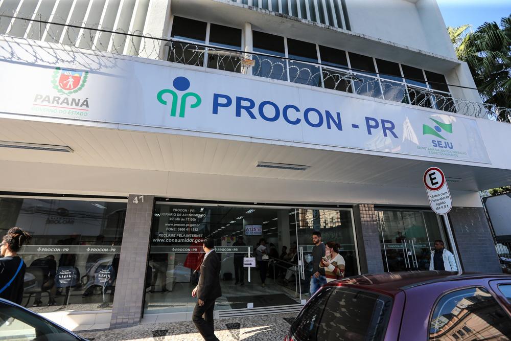 O portal e o aplicativo do PIÁ – Paraná Inteligência Artificial ( www.pia.pr.gov.br ) também oferecem uma série de serviços personalizados ao cidadão