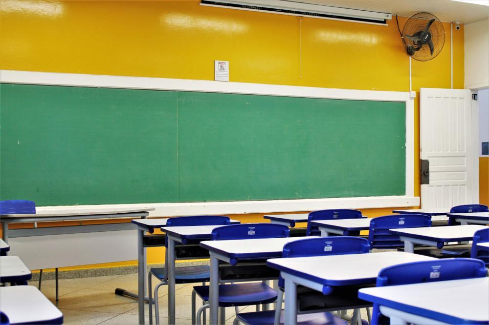 Aulas e expediente nas escolas estaduais estão suspensos - Foto: AEN