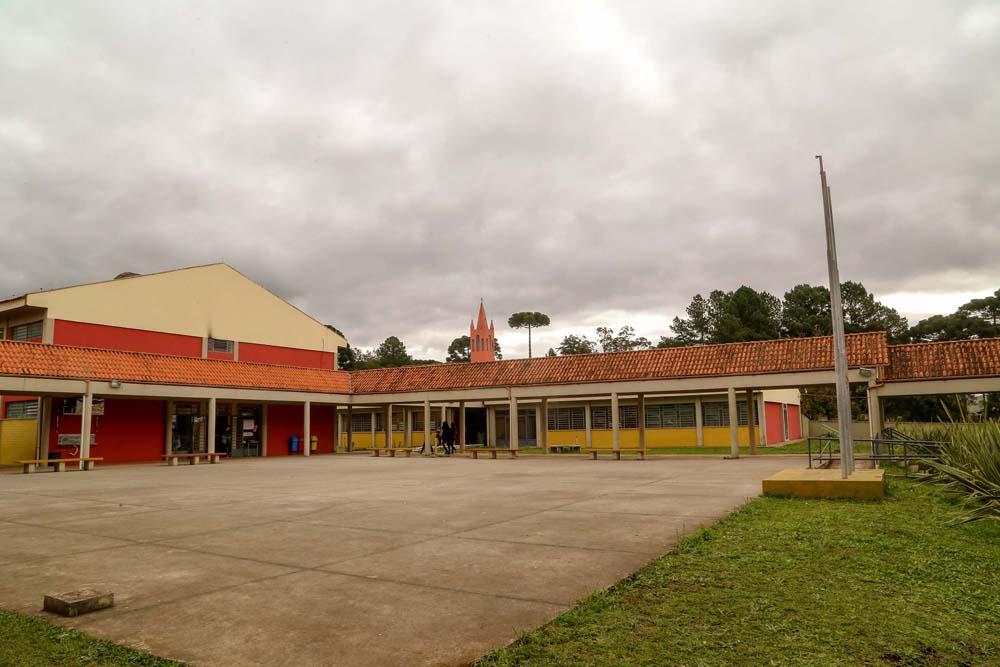 Durante esse período, a direção de cada escola deverá organizar escala, respeitando a condição de teletrabalho
