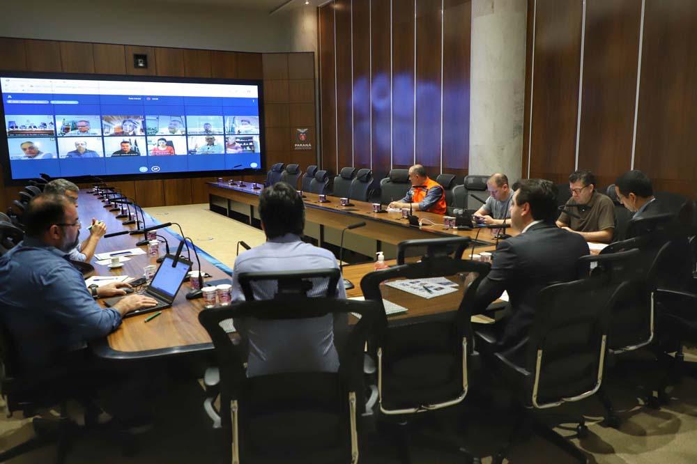 O governador Carlos Massa Ratinho Junior realizou reuniões por videoconferência neste sábado (28) e domingo (29) com 20 prefeitos das maiores cidades paranaenses