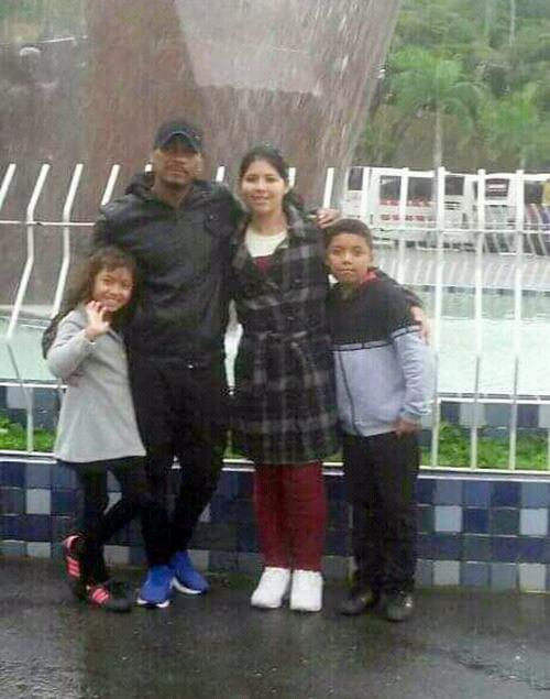 Natanael Silva com esposa e filhos no Santuário de Aparecida - Foto: arquivo pessoal