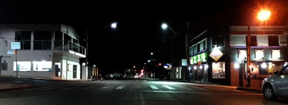 Vista panorâmica da Avenida Brasil de Cambará no início da noite desta terça-feria 12 de maio