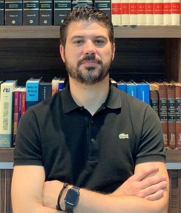 Acacio Miranda da Silva Filho é especialista, professor e autor em Direito Eleitoral, Constitucional e Penal Internacional