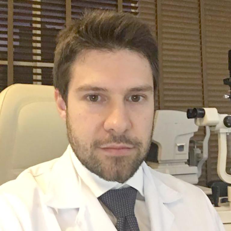 Dr. José Francisco Haggi Médico Oftalmologista pelo Conselho Brasileiro de Oftalmologia (CBO), Especialista em Retina, Vítreo e Catarata, Membro da Sociedade Européia de Especialistas em Retina (EURETINA)