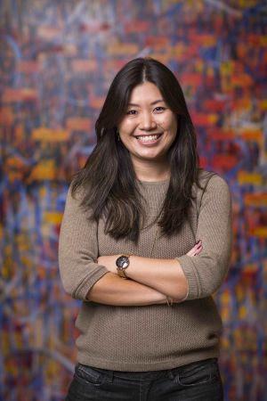 """Camila Akemi Karino é diretora pedagógica da Geekie. Psicóloga, mestre e doutora pela Universidade de Brasília (UnB), estagiou na Universidade de New Brunswick (Canadá), onde estudou """"Igualdade, equidade e eficácia do sistema educacional brasileiro""""."""
