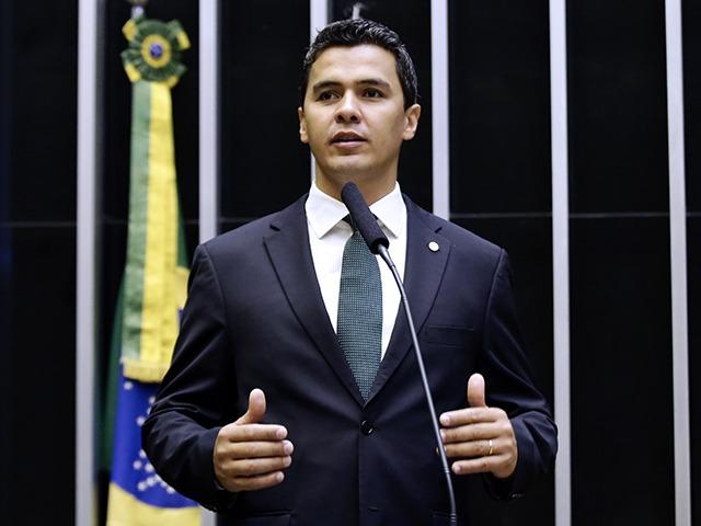 Diego Garcia é Deputado Federal pelo PODEMOS e tem base eleitoral no norte do Estado do Paraná
