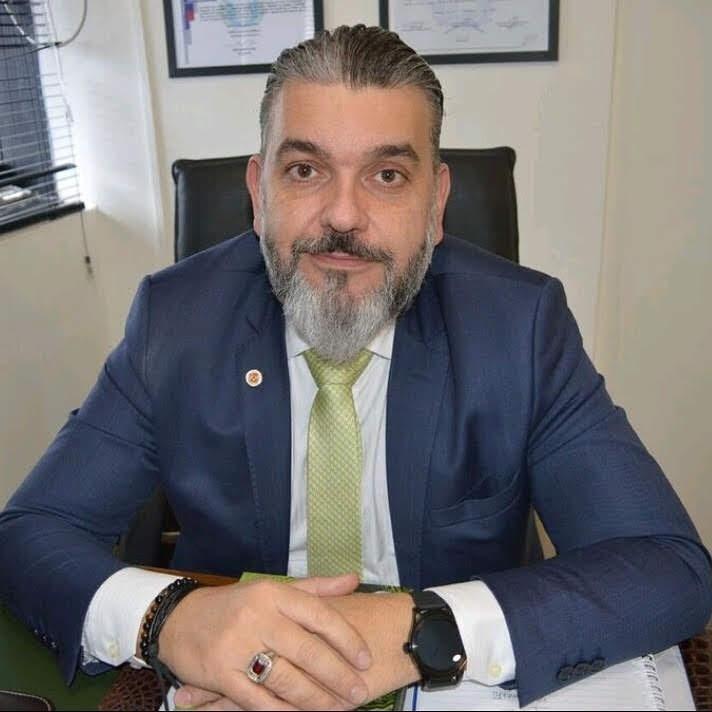 Alessandro Azzoni é advogado, economista e especialista em Direito Ambiental.
