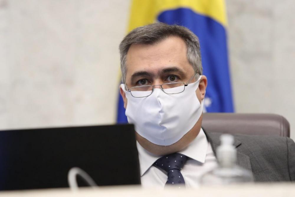 """""""A abertura destes novos leitos faz parte do pacote de ações do Governo do Estado para ampliar o atendimento médico em todo o Paraná neste momento, principalmente para casos relacionados ao coronavírus. É sem dúvida um grande reforço para a região Norte"""","""