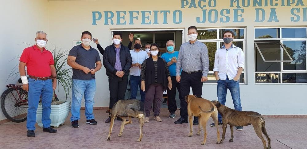 O deputado conseguiu R$ 25 mil para a castração na cidade junto à secretária estadual de Desenvolvimento Sustentável e Turismo