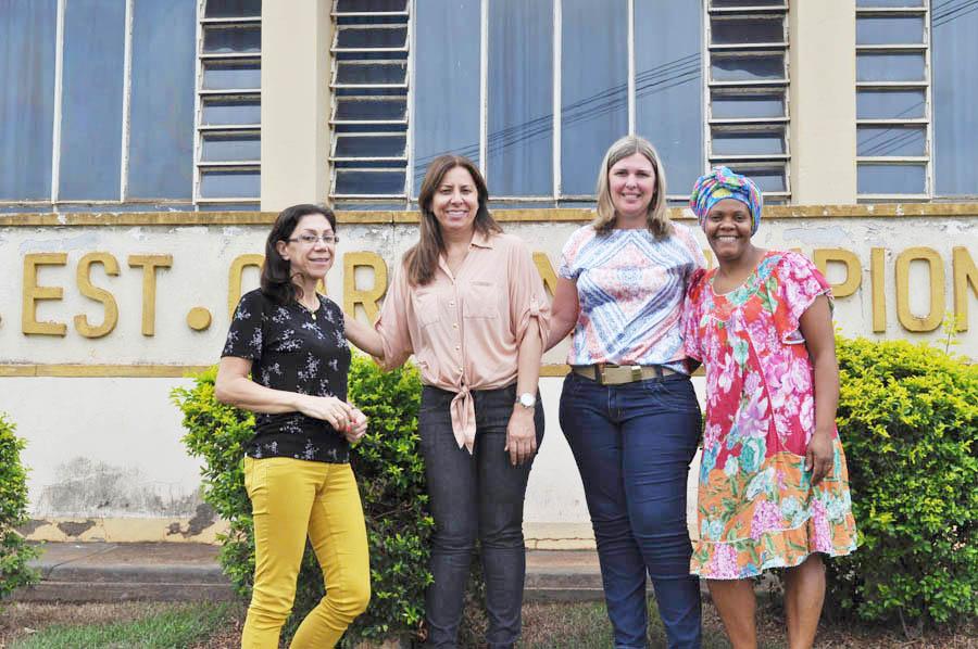 Cultura Afro-brasileira e indigena é tema de feira cultural do Colégio Carolina Lupion em Cambará