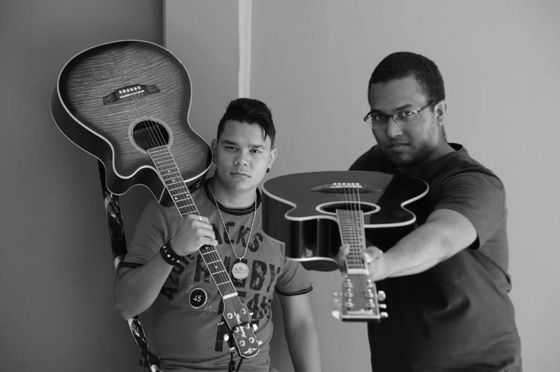 Banda Projeto Paralelo revive clássicos dos anos 80