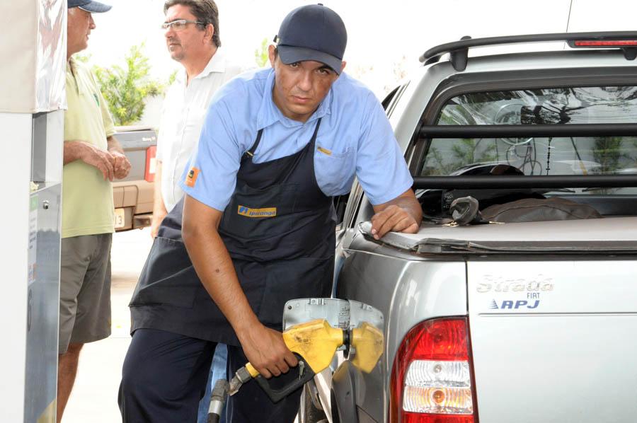 Risco de desabastecimento provoca correria aos postos de combustíveis em Cambará