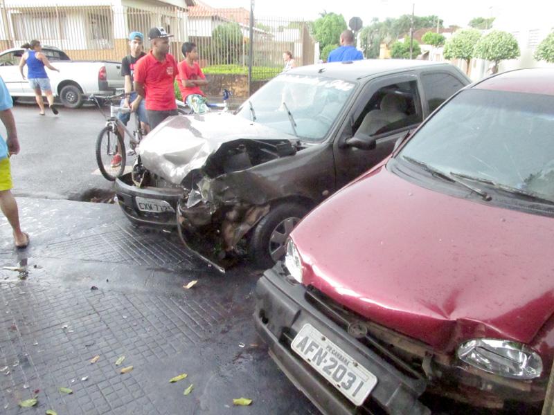 Acidente no centro de Cambará deixa uma pessoa ferida