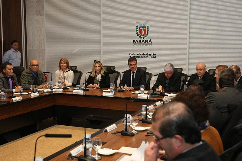 Richa reúne equipe e apresenta novas diretrizes de governo