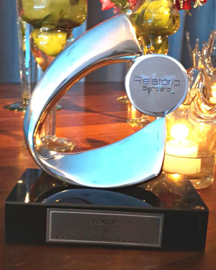 Websérie de cartões do Sicredi conquista Prêmio Relatório Bancário 2016